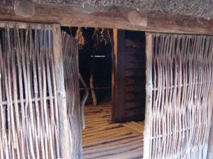 Wejście do chaty